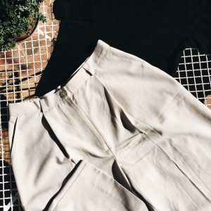 beige bermuda shorts, second-hand, peregrinapreloved, vintage clothes cape town, vintage clothes south africa